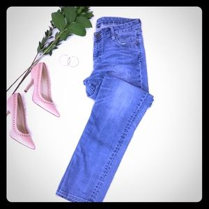 KUT jeans light wash size 10